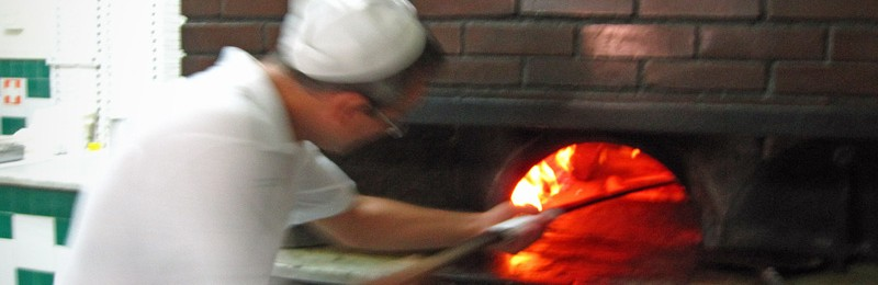 Wood fired oven at Pizzeria Da Michele